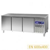 Gekoelde werktafel, geventileerd, 3 deuren EN 600x400 (550Lit.),