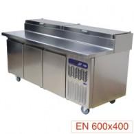 Koeltafel, geventileerd, 3 deuren EN 600x400, 550 liter, gekoelde opzetstructuur GN 10x GN 1/32050x860xh800/900-1395